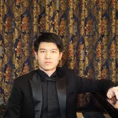 Pianist in Glasgow
