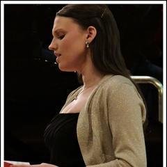 Elizabeth Adams Singer in Worcestor