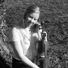 Malvina Jomard Violinist in Worcestor