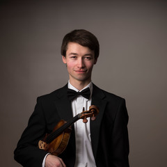 Oliver Baily Violinist in Sheffield