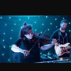 Ellie Flynn Violinist in Manchester
