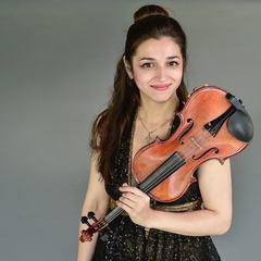Adriana Cristea Violinist in London