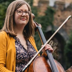 Kirsten Sarah Miller Cellist in Bristol