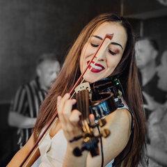 Helena Logah Violinist in Worcestor