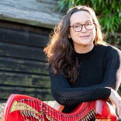 Karen Marshalsay Harpist in the UK