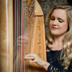 Felicity Meakins Harpist in the UK