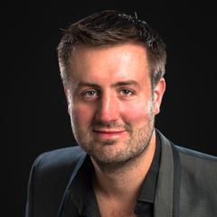 Elliott Doyle Rooney Pianist in the UK