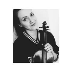 Chloe Baker Violinist in Swansea