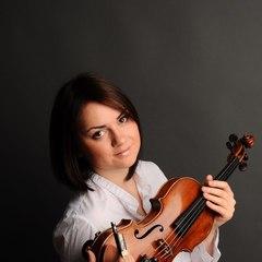 Maria Oguren Violinist in Birmingham