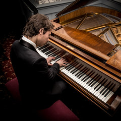 Joe Boyes Pianist in York
