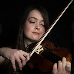Jess Townsend Violinist in Cardiff