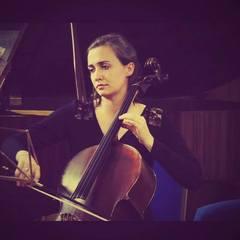 Hannah Clist Cellist in Bristol