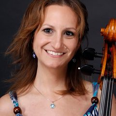 Maria Rodriguez Reina Cellist in the UK