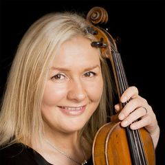 Sylvia Roberts Violinist in the UK