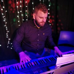 Niall O'Flaherty Pianist in Belfast