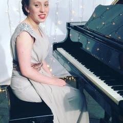 Iona Wheeler Pianist in Glasgow