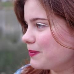 Ellie Bignall Singer in the UK