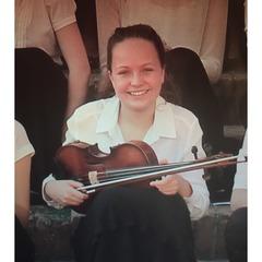 Sophie Dun Viola Player in Bristol