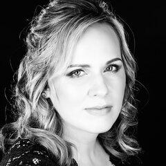 Jo Hampson-Gilbert Viola Player in Bristol