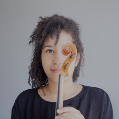 Tania Passendji Violinist in London