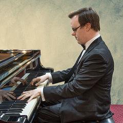 James Quinn Pianist in Gloucester