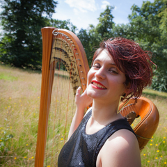 Anna Quiroga Harpist in the UK