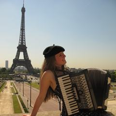 Alexa Sage Accordionist in London