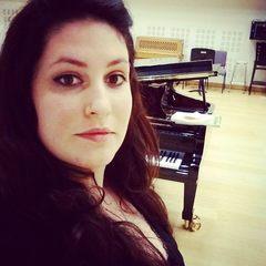 Arya Schellemberg Singer in Manchester