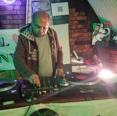 Pankaj Jethwa DJ in the UK