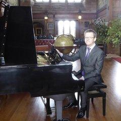 Stuart Collingwood Pianist in Newcastle