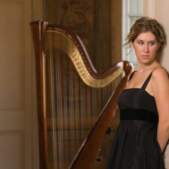 Maria Chiossi Harpist in the UK