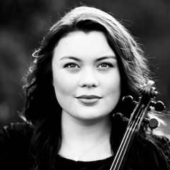 Lily Whitehurst Violinist in Sheffield