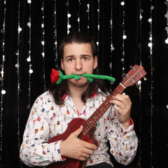 Marc Gallagher Ukulele Player in Wakefield