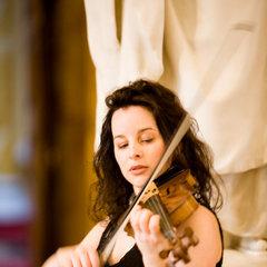 Helina Rees Violinist in Bristol