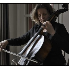 Tori Rushton Cellist in Birmingham