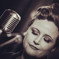 Holly Hewitt Singer in Birmingham