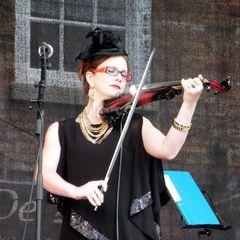 Selina Marshall Violinist in York