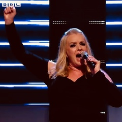 Chrissy Caine Singer in Bedfordshire
