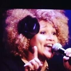 Florelie Escano Singer in Hertfordshire