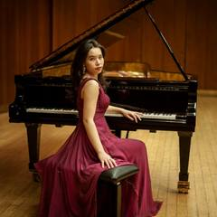 Emiko Edwards Pianist in the UK
