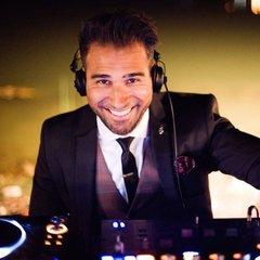 Vik Toreus DJ in London