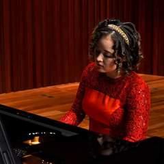 Liya Li Pianist in Glasgow