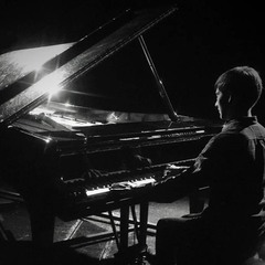 Lewis Ryan Pianist in Manchester