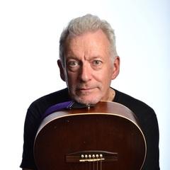 Tony Meur Harpist in the UK