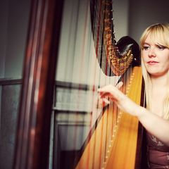 Fausta Canals Harpist in London
