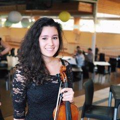 Victoria Fenech Violinist in Bristol