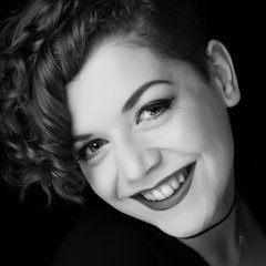 Karen Lillywhite Singer in Bristol