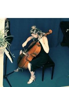 Molly Anne McWhirter Cellist in London