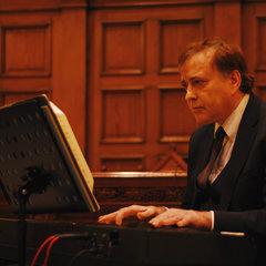 Gus Carmichael Pianist in Edinburgh