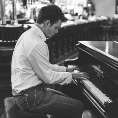 Max Gregory Pianist in the UK